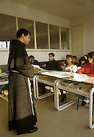 Milano: Scuola Superiore Cattolica. Studenti in aula durante una lezione.<br /> Milan: Catholic High School. Students in the classroom during a lesson.