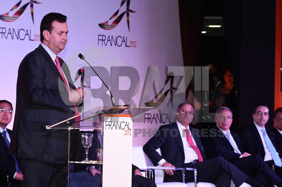 SAO PAULO, 26 DE JUNHO DE 2012 - ABERTURA FRANCAL 2012 - Prefeito Gilberto Kassab em Cerimonia de abertura da Francal 2012, na manha desta terca feira, no Anhembi, regiao norte da capital. FOTO: ALEXANDRE MOREIRA - BRAZIL PHOTO PRESS