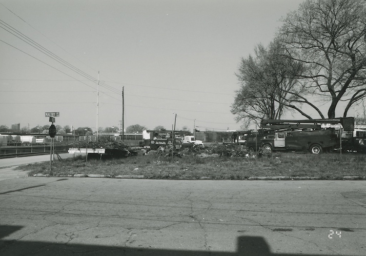 1994 April 01..Conservation.Central Brambleton.Street Study Maltby Avenue..Intersection of Maltby Avenue & Brambleton Avenue (West Side)....NEG#.NRHA#.04/94  CONSERV: CBramb  2  21:3  24..