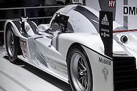 SAO PAULO, SP - 05.11.2014 - SALÃO DO AUTOMÓVEL - Publico se pode apreciar um dos modelos Racing da Porsche nesta quarta-feira (5) no Salão Internacional do Automóvel em São Paulo.<br /> <br /> <br /> (Foto: Fabricio Bomjardim / Brazil Photo Press)
