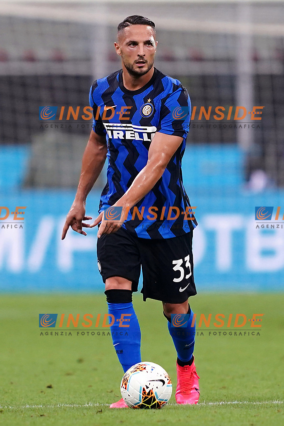 Danilo D'Ambrosio of FC Internazionale in action during the Serie A football match between FC Internazionale and SSC Napoli at San Siro stadium in Milano (Italy), July 28th, 2020. Play resumes behind closed doors following the outbreak of the coronavirus disease. Photo Marco Canoniero / Insidefoto