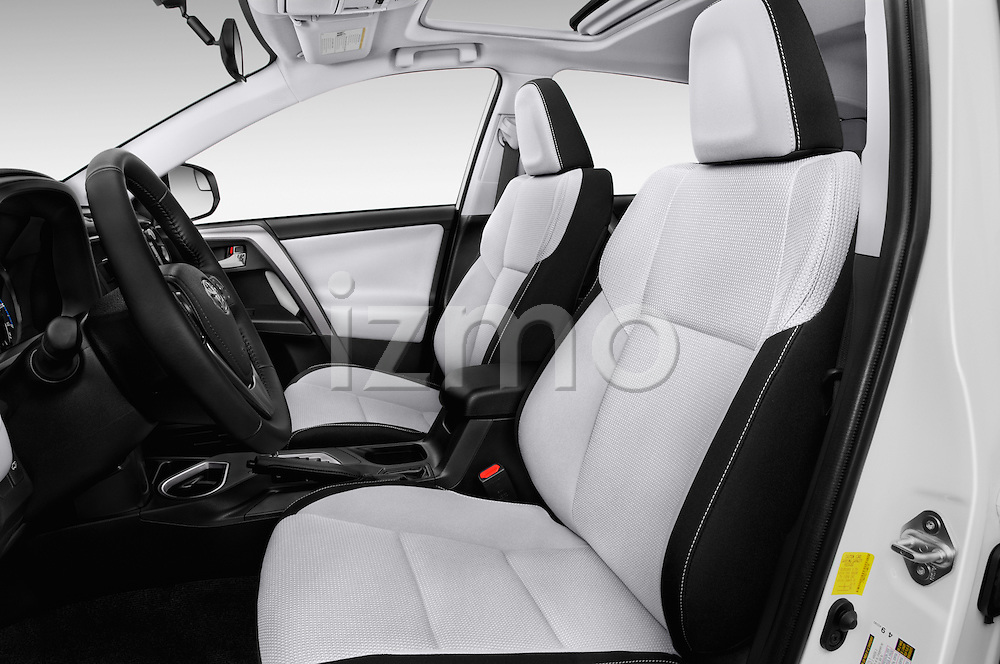 Front seat view of 2018 Toyota RAV4 XLE 5 Door SUV Front Seat  car photos