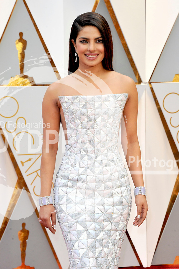Priyanka Chopra attends the 89th Annual Academy Awards at Hollywood & Highland Center on February 26, 2017 in Hollywood, California.