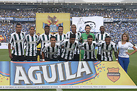 BOGOTA - COLOMBIA -03 -05-2015: Jugadores de Atlético Nacional posan para una foto de grupo previo al encuentro con Millonarios por la fecha 18 de la Liga Águila I 2015 jugado en el estadio Nemesio Camacho El Campín de la ciudad de Bogotá./ Players of Atletico Nacional pose toa photo prior a match against  Millonarios for the 18th date of the Aguila League I 2015 played at Nemesio Camacho El Campin stadium in Bogotá city. Photo: VizzorImage / Gabriel Aponte / Staff.