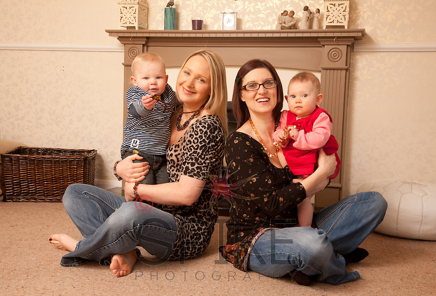 Amanda Waring of Mama Jewels with her son Finley and friend Rachel Gregory with daughter Georgia