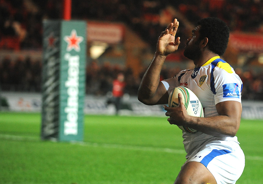 Clermont Auvergne's Napolioni Nalaga celebrates scoring his sides first try .. - CREDIT - CameraSport - Ian Cook - ..Rugby Union - Heineken Cup Pool 5 - Scarlets v Clermont Auvergne - Saturday 19th January 2013 - Parc y Scarlets - Llanelli..© CameraSport - 43 Linden Ave. Countesthorpe. Leicester. England. LE8 5PG - Tel: +44 (0) 116 277 4147 - admin@camerasport.com - www.camerasport.com..