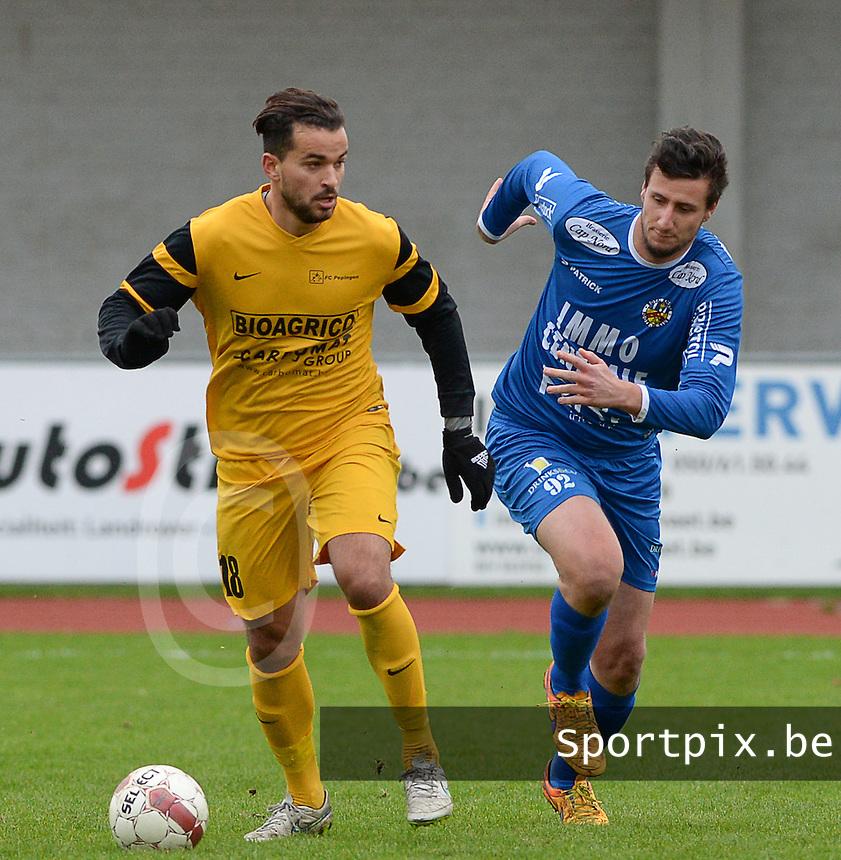 R Knokke FC - Pepingen  : Hamza Amazou (links) in duel met Jonas Vervaeke (r)<br /> Foto VDB / Bart Vandenbroucke