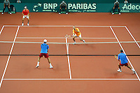 23-9-06,Leiden, Daviscup Netherlands-Tsjech Republic, doubles, Berdych and Damm(foreground) versus Wessels(m) and Wassen