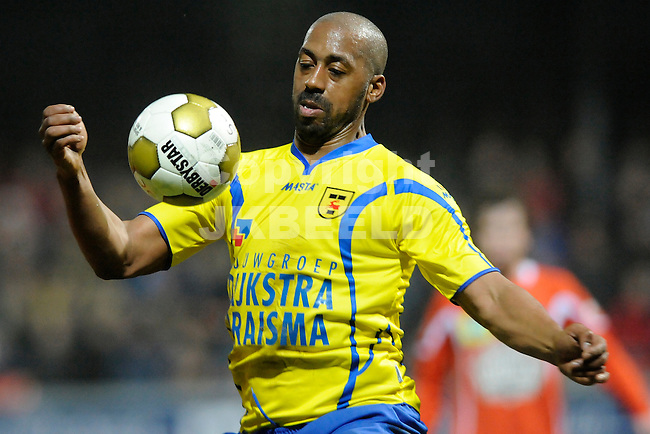 LEEUWARDEN - Voetbal, SC Cambuur - FC Volendam, Cambuur stadion, seizoen 2011-2012, 02-03-2012  Cambuur speler Mark de Vries