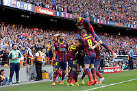 BARCELONA, ESPANHA, 17.05.2014 - CAMPEONATO ESPANHOL - BARCELONA - ATLETICO DE MADRID -Alex Sanches (C) do Barcelona comemora gol contra o do Atlético de Madrid, em partida válida pela última rodada do Campeonato Espanhol, no Estádio Camp Nou, em Barcelona, neste sábado. Com o empate em 1 a 1, o Atlético sagrou-se campeão. (Foto: César Cebolla / Alfaqui / Brazil Photo Press).