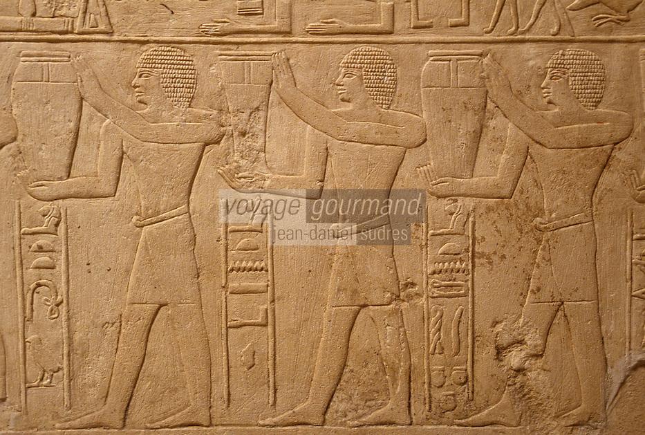 Afrique/Egypte/Saqqara: La tombe de Mérérouka - Jarres de vin