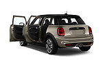 Car images close up view of a 2018 Mini MINI Cooper S Chilli 5 Door Hatchback doors