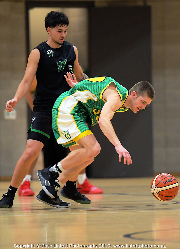 Action from the National Under-23 Basketball Championship men's final between Hutt Valley Wellington and Manawatu at Te Rauparaha Arena in Porirua, New Zealand on Saturday, 10 August 2019. Photo: Dave Lintott / lintottphoto.co.nz
