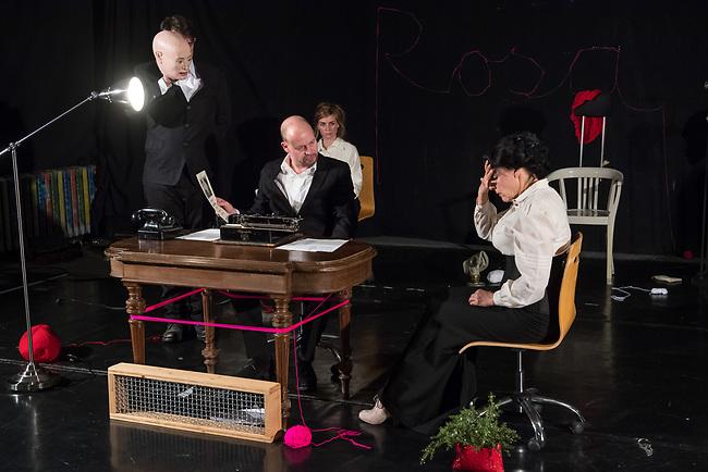 Probe des Theaterstueck &quot;ROSA- UND DIE FREIHEIT DER ANDERSDENKENDEN&quot; der Dramaturgin Barbara Kastner.<br /> Regie: Anja Panse.<br /> Darsteller:<br /> Rosa Luxemburg: Susanne Jansen (rechts im Bild).<br /> Ernst Julius Waldemar Pabst, Kaiser Wilhelm III, u.a.: Lutz Wessel (2.vl. im Bild).<br /> Leutnant, Bundesverteidigungsminsiterin, u.a.: Arne van Dorsten (1.vl. im Bild).<br /> Musikerin, Sophie Lieberknecht: Annegret Enderle (im Hintergrund).<br /> 22.5.2017, Berlin<br /> Copyright: Christian-Ditsch.de<br /> [Inhaltsveraendernde Manipulation des Fotos nur nach ausdruecklicher Genehmigung des Fotografen. Vereinbarungen ueber Abtretung von Persoenlichkeitsrechten/Model Release der abgebildeten Person/Personen liegen nicht vor. NO MODEL RELEASE! Nur fuer Redaktionelle Zwecke. Don't publish without copyright Christian-Ditsch.de, Veroeffentlichung nur mit Fotografennennung, sowie gegen Honorar, MwSt. und Beleg. Konto: I N G - D i B a, IBAN DE58500105175400192269, BIC INGDDEFFXXX, Kontakt: post@christian-ditsch.de<br /> Bei der Bearbeitung der Dateiinformationen darf die Urheberkennzeichnung in den EXIF- und  IPTC-Daten nicht entfernt werden, diese sind in digitalen Medien nach &sect;95c UrhG rechtlich geschuetzt. Der Urhebervermerk wird gemaess &sect;13 UrhG verlangt.]