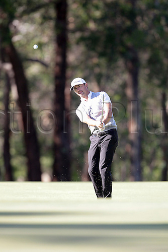 26.02.2016. Perth, Australia. ISPS HANDA Perth International Golf.  Wade Ormsby plays a chip shot onto the 12th green during the 2nd day.