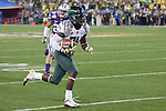 #24 Kenjon Barner  scores the ducks 3rd touchdown in the second half. ..Tribune Photo: Meg Williams ..1-3-12, DUCKS, Glendale, Jan. 3, Kansas State, Phoenix, U OF O, University of Phoenix stadium, ducks winning, fiesta bowl, first half, football, tailgating, thursday, touchdown, university of oregon