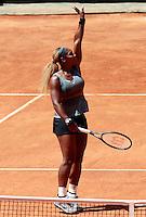 La statunitense Serena Williams esulta dopo aver vinto la finale femminile degli Internazionali d'Italia di tennis a Roma, 18 maggio 2014.<br /> United States' Serena Williams celebrates after winning the women's final match of the Italian open tennis tournament, in Rome, 18 May 2014.<br /> UPDATE IMAGES PRESS/Isabella Bonotto