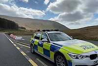 2020 04 24 Police turn away people from Ystradfellte, Powys, Brecon Beacons, Wales, UK
