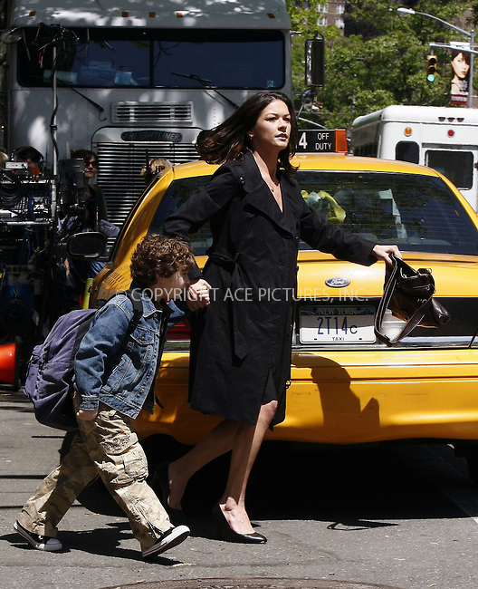 WWW.ACEPIXS.COM . . . . .  ....May 13 2008, New York City....Actress Catherine Zeta-Jones was on the Central Park set of the new movie 'The Rebound' in Manhattan. ....Please byline: AJ Sokalner - ACEPIXS.COM..... *** ***..Ace Pictures, Inc:  ..te: (646) 769 0430..e-mail: info@acepixs.com..web: http://www.acepixs.com