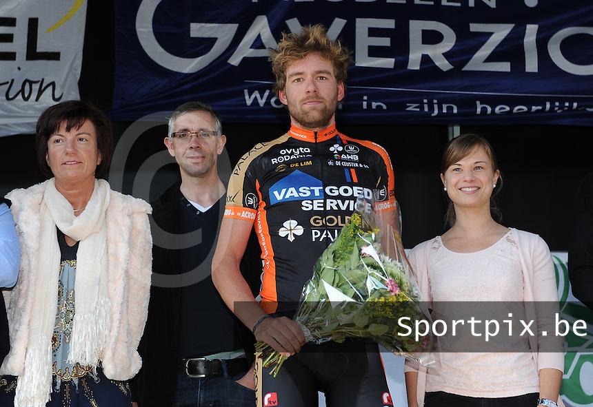 2 daagse Gaverstreek 2015 :<br /> <br /> Podium met winnaar van 2e rit : Sander Cordeel<br /> Foto VDB / Bart Vandenbroucke