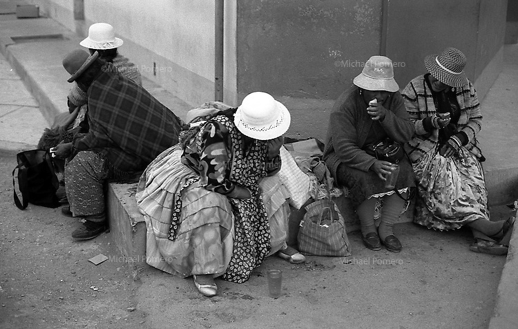 02.2010  Coroico (Bolivia)<br /> <br /> Femmes pendant le carnaval de Coroico.<br /> <br /> Women during the carnival of Coroico.