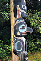 Memorial totem pole, Raven and Orca, Orcinus orca, Sitka Historical National Park, Alaska, USA, USA