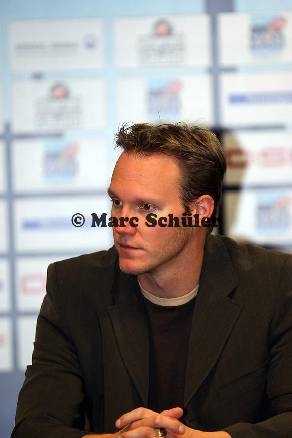Joachim Ullrich (Marburg, QB Nationalmannschaft)<br /> German Bowl XXXI Berlin Adler vs. Kiel Baltic Hurricanes, Commerzbank Arena *** Local Caption *** Foto ist honorarpflichtig! zzgl. gesetzl. MwSt. Auf Anfrage in hoeherer Qualitaet/Aufloesung. Belegexemplar an: Marc Schueler, Alte Weinstrasse 1, 61352 Bad Homburg, Tel. +49 (0) 151 11 65 49 88, www.gameday-mediaservices.de. Email: marc.schueler@gameday-mediaservices.de, Bankverbindung: Volksbank Bergstrasse, Kto.: 151297, BLZ: 50960101