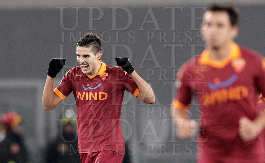 Calcio, Serie A: Roma vs Milan. Roma, stadio Olimpico, 22 dicembre 2012..AS Roma forward Erik Lamela, of Argentina, celebrates after scoring his second goal during the Italian Serie A football match between AS Roma and AC Milan at Rome's Olympic stadium, 22 December 2012.UPDATE IMAGES PRESS/Riccardo De Luca