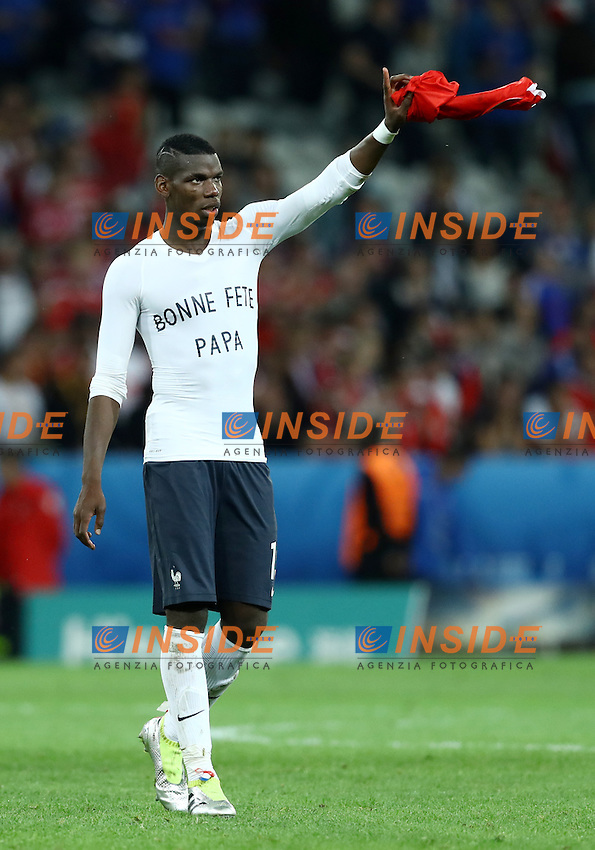 Paul Pogba France wearing a t-shirt to appreciate his father on the father day. Maglia per festa del padre<br /> Lille 19-06-2016 Stade Pierre Mauroy Footballl Euro2016 Switzerland - France  / Svizzera - Francia Group Stage Group A. Foto Matteo Ciambelli / Insidefoto