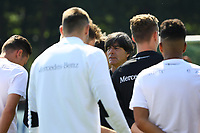 Besprechung mit Bundestrainer Joachim Loew (Deutschland Germany) - 14.06.2017: Training der Deutschen Nationalmannschaft zur Vorbereitung auf den Confed Cup, Sportpark Kelsterbach