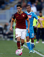 Calcio, Serie A: Roma vs Napoli. Roma, stadio Olimpico, 25 aprile 2016.<br /> Roma&rsquo;s Diego Perotti, left, is chased by Napoli&rsquo;s Allan during the Italian Serie A football match between Roma and Napoli at Rome's Olympic stadium, 25 April 2016.<br /> UPDATE IMAGES PRESS/Riccardo De Luca