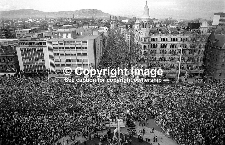 Anti Anglo-Irish Agreement Rally, City Hall, Belfast, Saturday, 23rd November 1985 - General view of the attendance from the dome of the City Hall. 19851112u..Copyright Image from Victor Patterson, 54 Dorchester Park, Belfast, UK, BT9 6RJ..Tel: +44 28 9066 1296.Mob: +44 7802 353836.Voicemail +44 20 8816 7153.Skype: victorpattersonbelfast.Email: victorpatterson@me.com.Email: victorpatterson@ireland.com (back-up)..IMPORTANT: If you wish to use this image or any other of my images please go to www.victorpatterson.com and click on the Terms & Conditions. Then contact me by email or phone with the reference number(s) of the image(s) concerned.