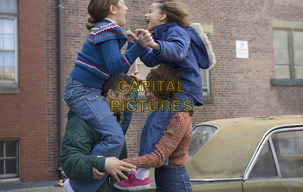 Imogene Wolodarsky, Ashley Aufderheide, Mark Ruffalo, Zoe Saldana<br /> in Infinitely Polar Bear (2014) <br /> *Filmstill - Editorial Use Only*<br /> CAP/FB<br /> Image supplied by Capital Pictures
