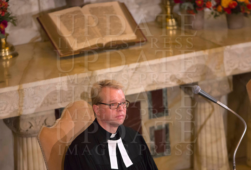 Il pastore Jens-Martin Kruse durante la visita del Papa alla Chiesa Evangelica Luterana di Roma, 15 novembre 2015.<br /> Rev. Jens-Martin Kruse during the Pope's visit to the Lutheran Evangelical Church in Rome, 15 November 2015.<br /> UPDATE IMAGES PRESS/Riccardo De Luca<br /> <br /> STRICTLY ONLY FOR EDITORIAL USE