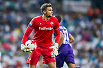 Goalkeeper Bartlomiej Dragowski of ACF Fiorentina in action during the Santiago Bernabeu Trophy 2017 match between Real Madrid and ACF Fiorentina at the Santiago Bernabeu Stadium on 23 August 2017 in Madrid, Spain. Photo by Diego Gonzalez / Power Sport Images
