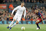 FC Barcelona's Dani Alves (r) and Real Madrid's Cristiano Ronaldo during La Liga match. April 2,2016. (ALTERPHOTOS/Acero)
