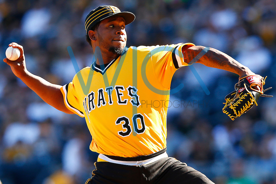 Neftali Feliz #30 of the Pittsburgh Pirates pitches against the Milwaukee Brewers during the game at PNC Park in Pittsburgh, Pennsylvania on April 17, 2016. (Photo by Jared Wickerham / DKPS)