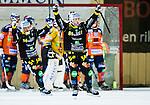 Bolln&auml;s 2014-10-24 Bandy Elitserien Bolln&auml;s GIF - Broberg S&ouml;derhamn  :  <br /> Bolln&auml;s firar sitt 2-3 m&aring;l p&aring; h&ouml;rna under matchen mellan Bolln&auml;s GIF och Broberg S&ouml;derhamn  <br /> (Foto: Kenta J&ouml;nsson) Nyckelord:  Bolln&auml;s GIF BGIF Giffarna S&auml;vsta&aring;s IP &Aring;sen Broberg S&ouml;derhamn BIF jubel gl&auml;dje lycka glad happy