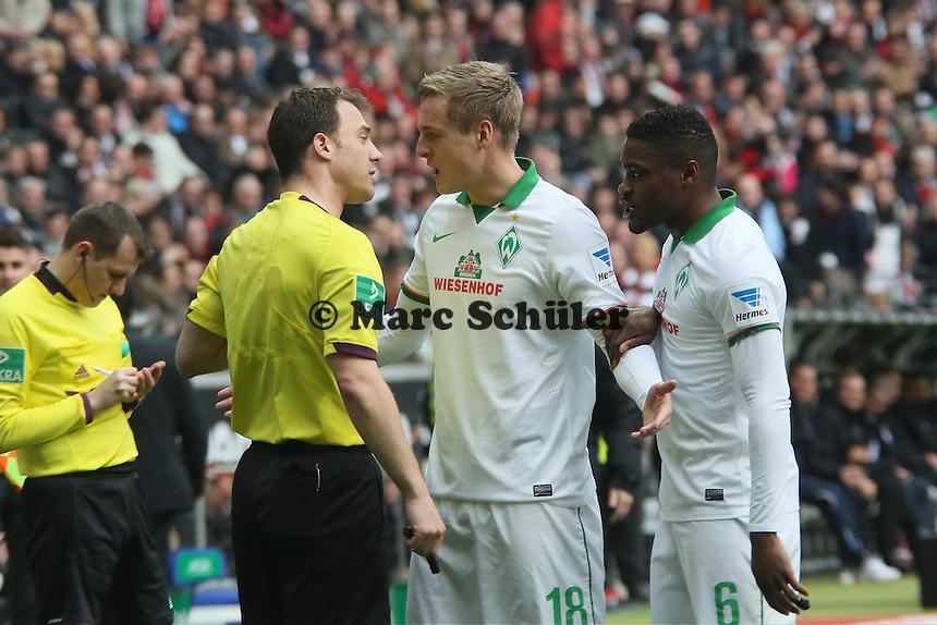 Schiedricher Felix Zwayer laesst wegen der Roten Karten für Felix Kroos (Werder) nach Foul an Sebastian Rode nicht mit sich reden - Eintracht Frankfurt vs. SV Werder Bremen