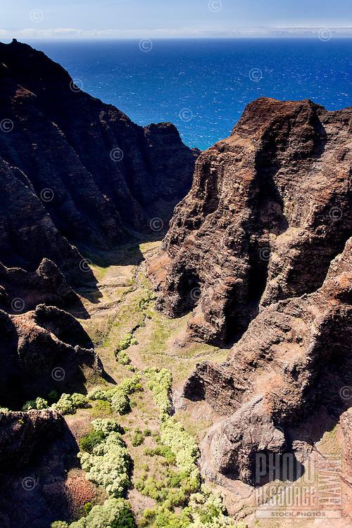 Aerial view of Na Pali cliffs, Kaua'i