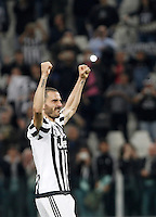 Calcio, Serie A: Juventus vs Lazio. Torino, Juventus Stadium, 20 aprile 2016.<br /> Juventus&rsquo; Leonardo Bonucci celebrates at the end of the Italian Serie A football match between Juventus and Lazio at Turin's Juventus Stadium, 20 April 2016. Juventus won 3-0.<br /> UPDATE IMAGES PRESS/Isabella Bonotto