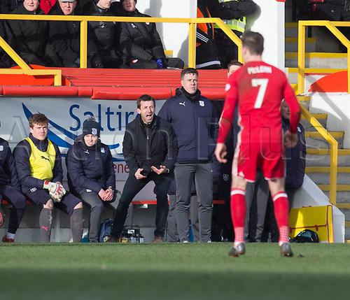 17th March 2018, Pittodrie Stadium, Aberdeen, Scotland; Scottish Premier League football, Aberdeen versus Dundee; Dundee manager Neil McCann gets animated