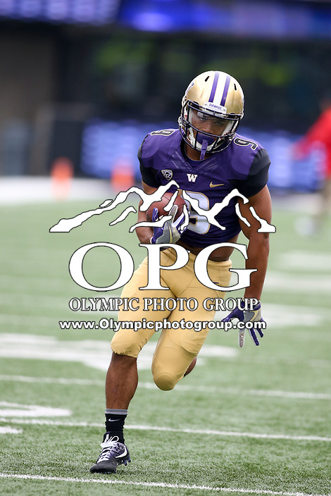 03 September 2016: Washington's Myles Gaskin against Rutgers.  Washington defeated Rutgers 48-13 at the University of Washington in Seattle, WA.