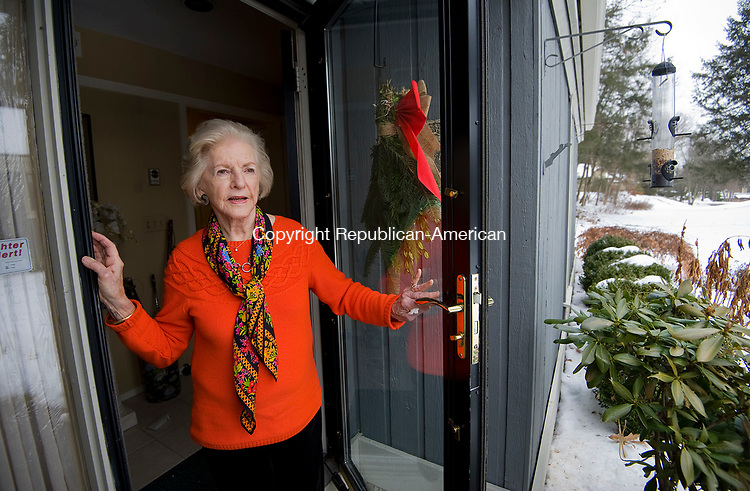 SOUTHBURY, CT-011118JS01---Francis Owen, a retiree who chose to move to Connecticut despite the high cost of living, at her Heritage Village home on Thursday. <br />  Jim Shannon Republican-American