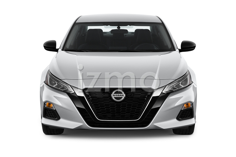 Car photography straight front view of a 2019 Nissan Altima SR-FWD 4 Door Sedan Front View