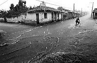 Un paseo en bici, Trinidad, Cuba, mayo 1996.