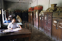"S?dasien Asien Indien IND Bihar .Beamte im staatlichen Buero einer Distriktverwaltung - Verwaltung Behoerde good governance Buerokratie xagndaz | .South Asia India Bihar .officials at district office going through files  -  governance indian bureaucracy .| [ copyright (c) Joerg Boethling / agenda , Veroeffentlichung nur gegen Honorar und Belegexemplar an / publication only with royalties and copy to:  agenda PG   Rothestr. 66   Germany D-22765 Hamburg   ph. ++49 40 391 907 14   e-mail: boethling@agenda-fototext.de   www.agenda-fototext.de   Bank: Hamburger Sparkasse  BLZ 200 505 50  Kto. 1281 120 178   IBAN: DE96 2005 0550 1281 1201 78   BIC: ""HASPDEHH"" ,  WEITERE MOTIVE ZU DIESEM THEMA SIND VORHANDEN!! MORE PICTURES ON THIS SUBJECT AVAILABLE!! INDIA PHOTO ARCHIVE: http://www.visualindia.net ] [#0,26,121#]"