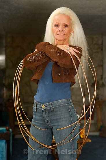 Salt Lake City - Lee Redmond has been growing her fingernails for twenty-eight years and according to the Guinness Book of World Records, has the longest fingernails in the world.