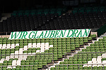 Feature Fan Plakat im Stadion - Wir glauben Dran<br /> <br /> <br /> Sport: nphgm001: Fussball: 1. Bundesliga: Saison 19/20: 34. Spieltag: SV Werder Bremen vs 1.FC Koeln  27.06.2020<br /> <br /> Foto: gumzmedia/nordphoto/POOL <br /> <br /> DFL regulations prohibit any use of photographs as image sequences and/or quasi-video.<br /> EDITORIAL USE ONLY<br /> National and international News-Agencies OUT.