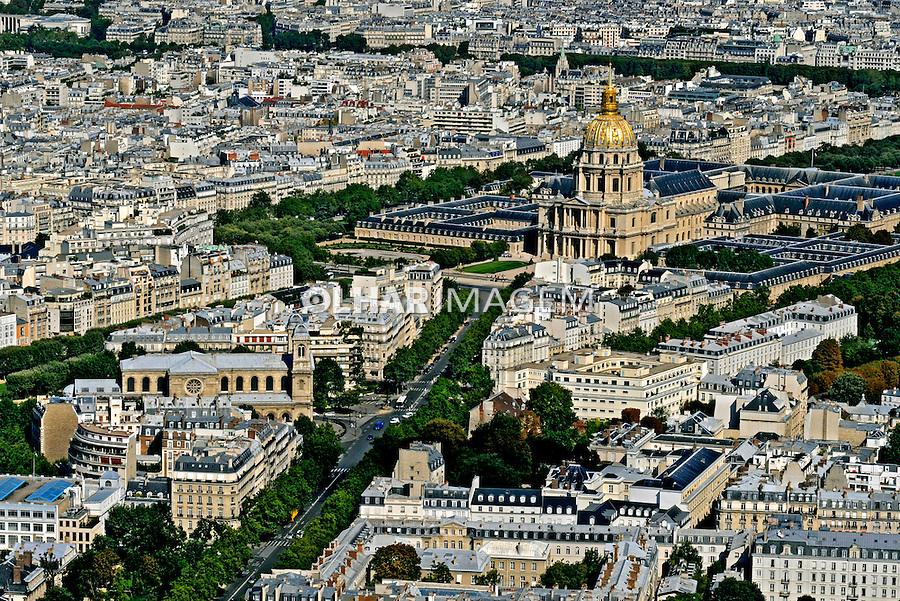 Vista aérea da cidade de Paris. França. 2008. Foto de Ricardo Azoury.
